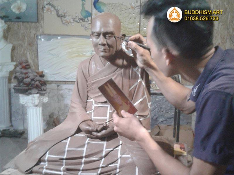 Quá trình tạo mẫu tượng hòa thượng Huệ Đức