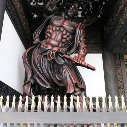 Nhân vương là tên gọi thân mật, phổ biến đối với Kim cang lực sĩ, một vị thần bảo hộ Phật giáo trong Thiên bộ.